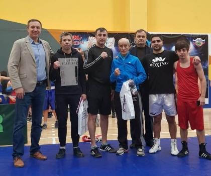 Открытая тренировка боксера-профессионала Сергея Маргаряна в Невинномысске.
