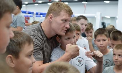 Бывший тренер Поветкина раскритиковал нынешний тренерский состав россиянина