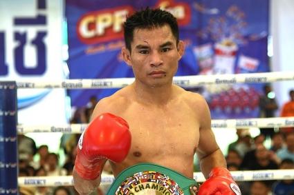 Рекорд Мейвезера пал: таиландский чемпион завершил карьеру со статистикой 54-0
